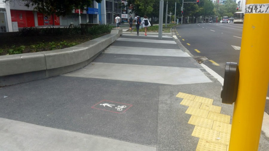 T 03 Shared path marking Auckland